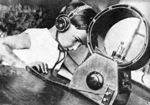 Alexander-Rodchenko-Radio-listener